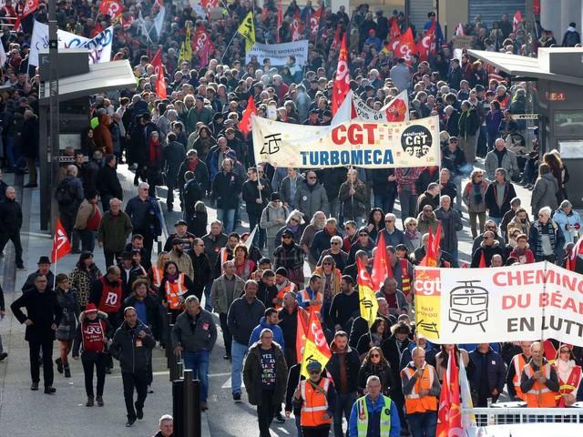 2500 manifestants à Pau : la fronde contre la réforme des retraites ne désarme pas