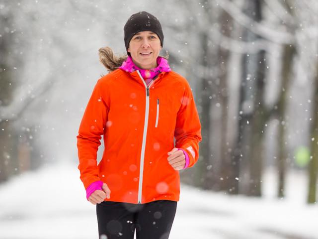 Les secrets pour courir dehors en hiver et dans la neige