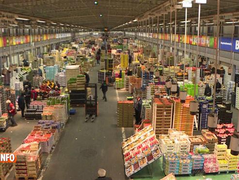 Direction Rungis, le plus grand marché alimentaire d'Europe: à la veille des fêtes, l'inquiétude grandit dans certains secteurs