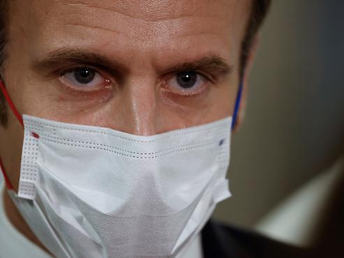 """Vers un déconfinement en France? Emmanuel Macron va parler ce soir pour """"fixer le cap"""""""