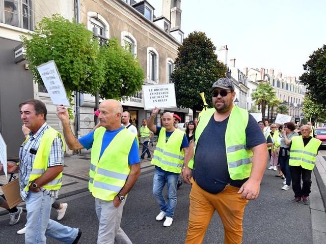 Acte 44 des Gilets jaunes : 650 manifestants à Toulouse, des heurts éclatent à Nantes