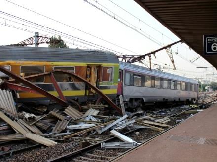 Brétigny: procès requis contre la SNCF pour l'une des pires catastrophes ferroviaires en France