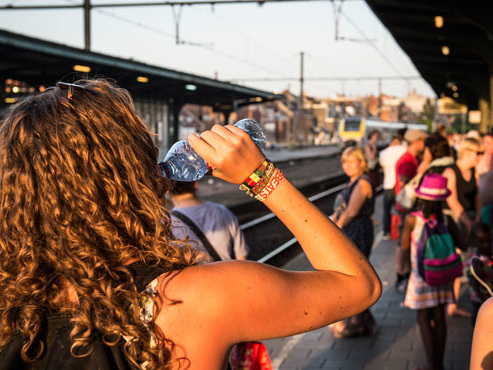 """Pagaille sur le rail belge: """"Pas d'air conditionné dans le train, on est à l'arrêt, il fait intenable"""""""