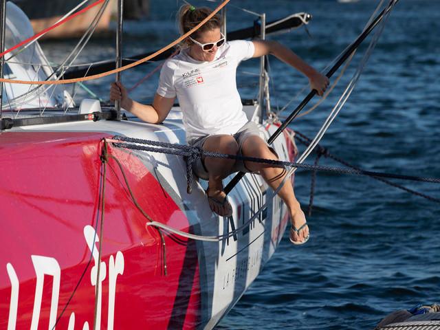 Vendée Globe: Sam Davies reprend seule la mer pour dépasser sa peur