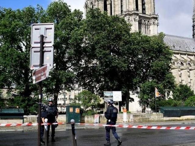 Attentat raté de Notre-Dame : condamnée à 30 ans de réclusion, Inès Madani fait appel