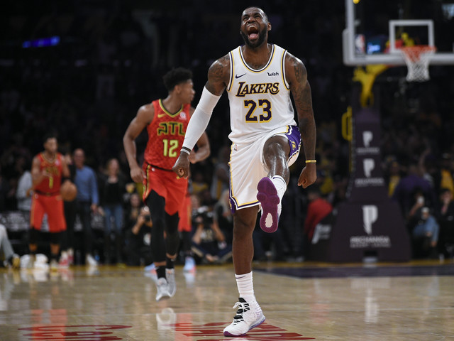 Basket - NBA - LeBron James en mode showtime avec les Lakers déplume les Hawks