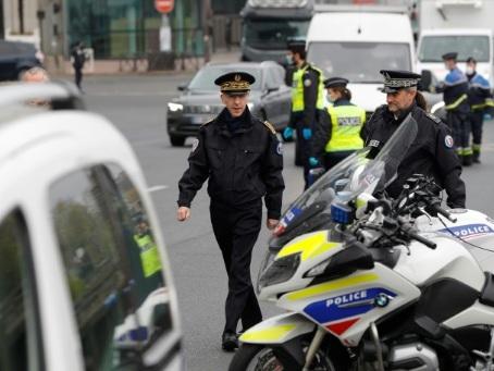 Paris: le préfet de police crée la polémique en liant hospitalisation et non-confinement