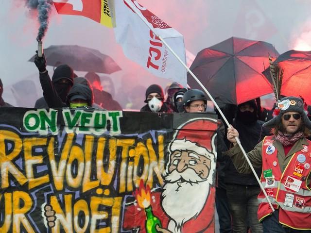 Le soutien aux grévistes reste majoritaire dans l'opinion, malgré les perturbations
