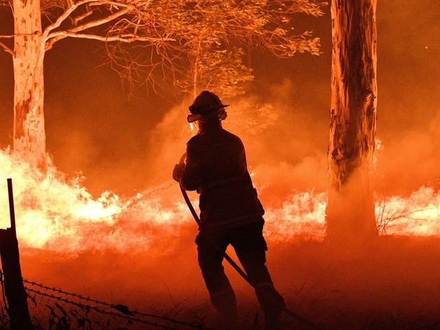 Les incendie en Australie déclenchent aussi des orages de feu