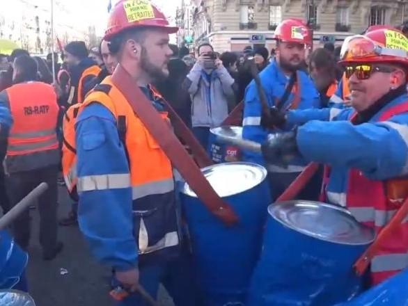 Une nouvelle journée de grève contre la réforme des retraites à Paris
