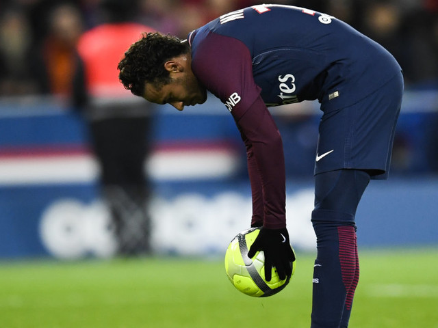 """Neymar noté 10/10 dans """"L'Équipe"""", sifflé par une partie du Parc des Princes pendant PSG-Dijon"""