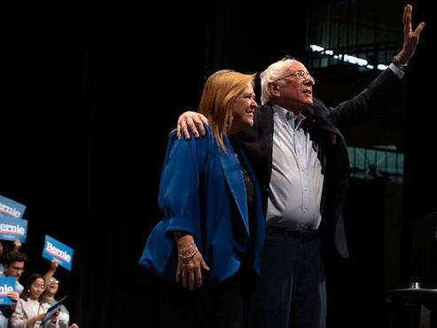 Victorieux dans le Nevada, Sanders consolide sa place de favori des primaires démocrates (vidéo)