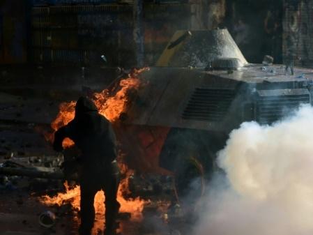 Chili: pillage d'une banque, attaques de commissariats