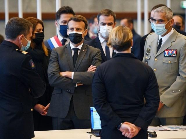 Covid-19: Emmanuel Macron est «tout à fait favorable» à la levée des brevets sur les vaccins