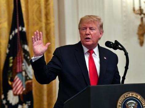 """Procès en destitution: Trump accusé d'être un """"danger"""" pour la démocratie"""