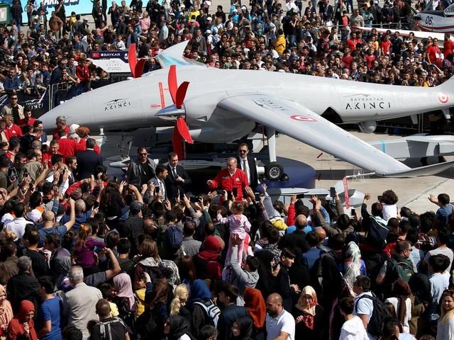La Turquie va se doter de drones équipés de mitrailleuses