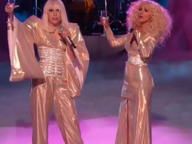 Christina Aguilera : Face à R. Kelly, elle fait front avec Lady Gaga