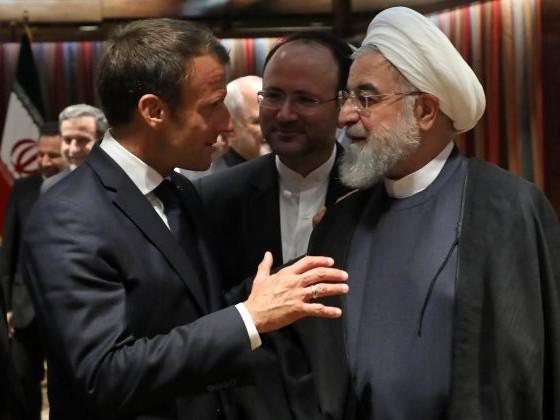 """Macron exige la libération """"sans délai"""" de deux chercheurs français détenus en Iran"""