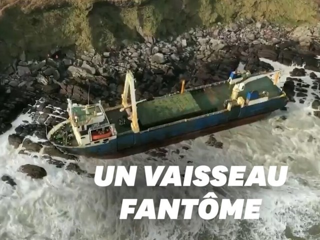 Avec la tempête Dennis, ce bateau qui dérivait depuis plus d'un an s'est échoué