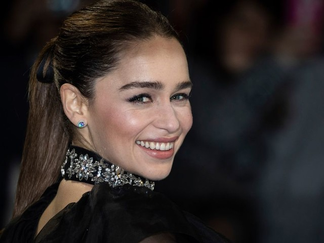 Emilia Clarke, star de Game of Thrones, ne veut plus faire de selfie avec ses fans