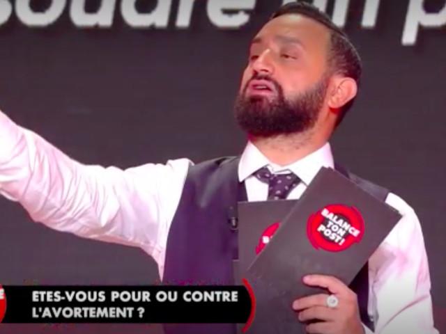 """""""Pour ou contre l'IVG"""", """"pour ou contre la burqa"""" : les nouveaux débats d'actu hallucinants de Cyril Hanouna"""
