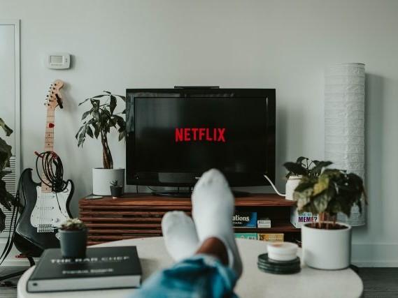 7 séries SF sous-côtées à (re)découvrir sur Netflix (édition 2021)