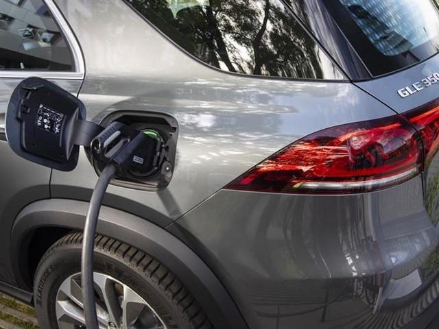 Voiture électrique : Tesla loin devant, les Allemands à la traîne, les Japonais bons derniers