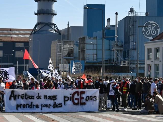 """Naïve face à ses concurrents, """"la France doit se doter d'une stratégie d'intelligence économique"""""""