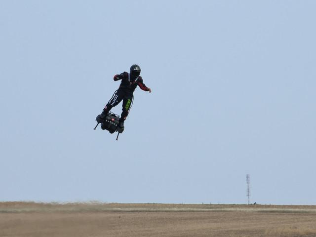 """Traversée de la Manche en Flyboard: """"à la base"""", Zapata """"voulait juste voler"""""""