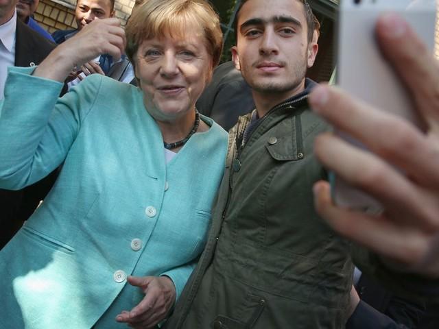 Angela Merkel quitte le pouvoir en Allemagne, avec un bilan en partie inattendu