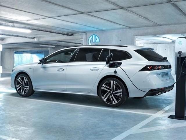 Prime à la casse : les hybrides rechargeables à nouveau concernés en 2019