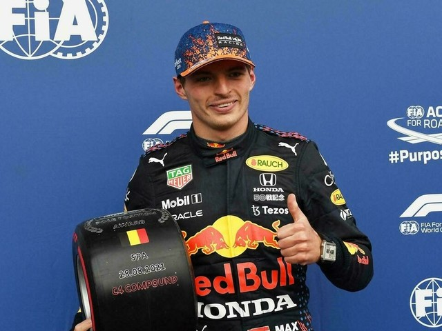 F1: Verstappen en pole position devant Russell sous la pluie en Belgique