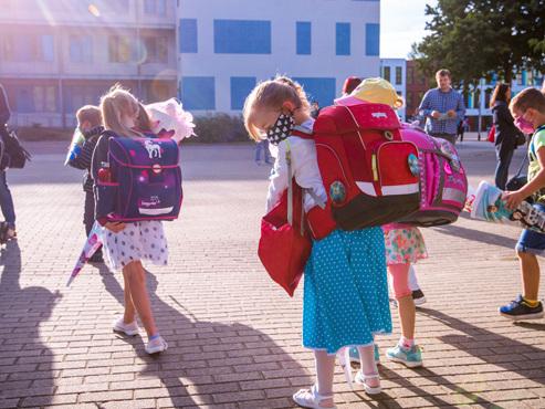 """Ces petits Allemands sont les premiers écoliers européens à rentrer à l'école: """"Nous ne savons juste pas où ils ont été en vacances"""""""