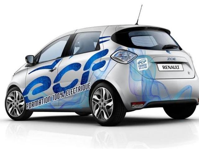 Paris : des aides pour les auto-écoles et taxis électriques