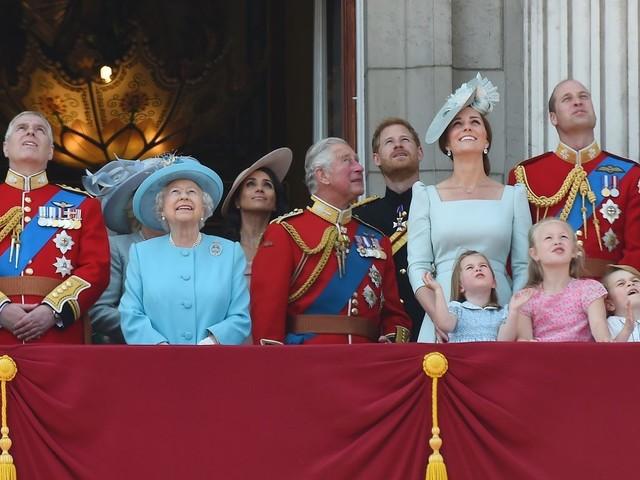 Meghan Markle reléguée au second plan sur le balcon de Buckingham à l'anniversaire de la reine : voici les explications