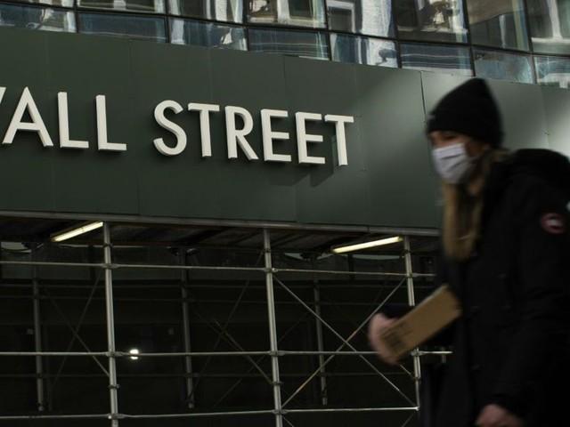 Les femmes réduisent l'écart à Wall Street mais la parité reste loin
