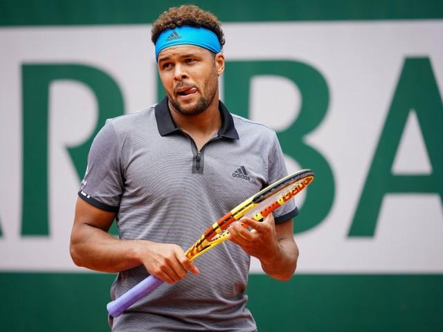 Halle: Tsonga domine Paire et attend Federer