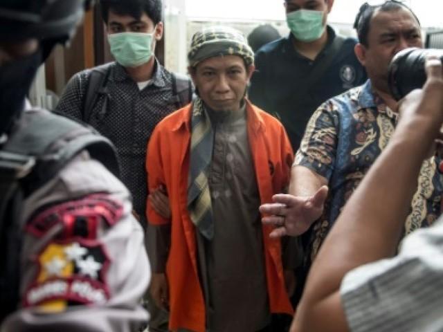 Indonésie: un islamiste pro-EI jugé pour les attentats de Jakarta