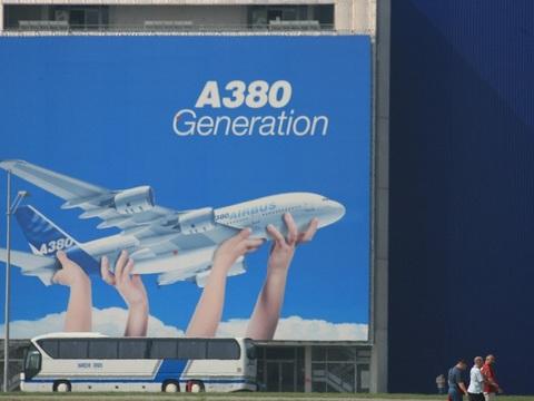 VIDEO. Toulouse: L'arrêt de l'A380, est-ce une mauvaise nouvelle pour la Ville rose?