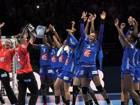 Hand: la France prête à renverser la Suède à l'Euro dames