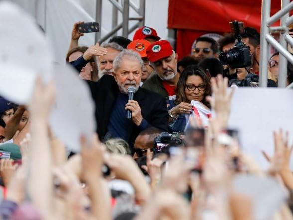 Brésil: les défis de Lula, les soutiens de Bolsonaro