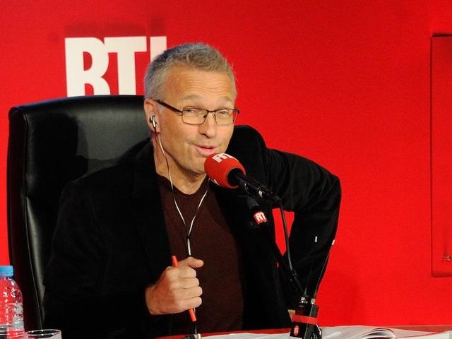 """Audiences radio : """"Les Grosses Têtes"""" large leader, De Caunes, Cauet et Moscato en hausse, Noël stable sur Europe 1"""
