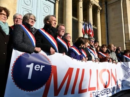 ADP: le projet de référendum franchit le cap symbolique du million de soutiens