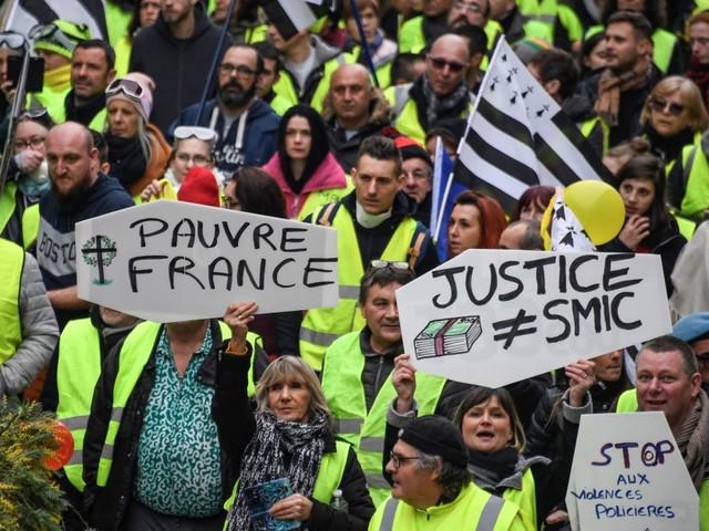 Gilets jaunes: trois mois de contestation sociale