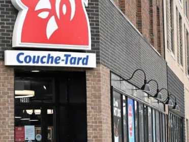 Rachat de Carrefour: le PDG de Couche-Tard n'a pas dit son dernier mot