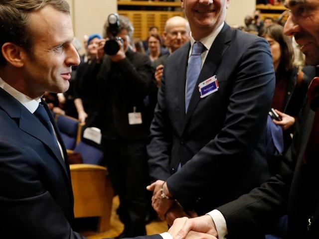 """Municipales à Paris: Macron a demandé à Villani de """"se rapprocher de Griveaux"""""""
