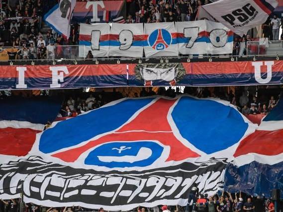 Foot - C1 - Avant Dortmund-PSG, lessupporters parisiens fouillés et retenus pendant plusieurs heures