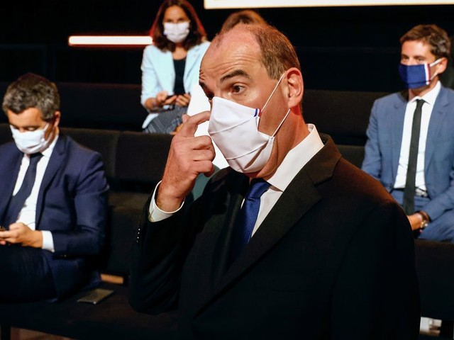 Sur France 2, Jean Castex a eu du mal à parer tous les coups destinés à son gouvernement