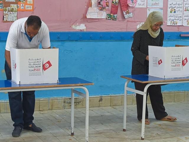Présidentielle en Tunisie: les électeurs entre indécision et abstention