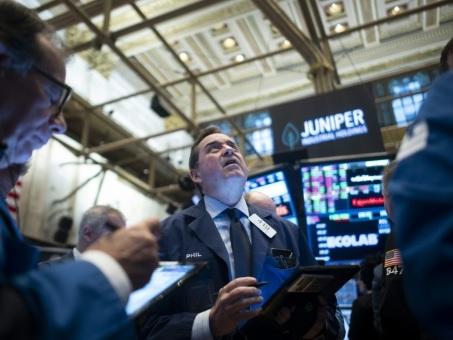 Wall Street hésite à l'ouverture de la dernière séance d'une année robuste